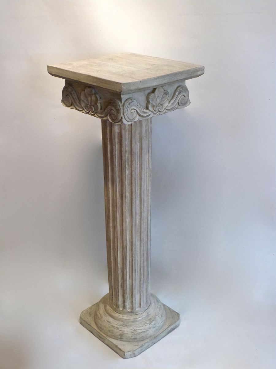 A painted carved decorative wooden column stock for Decorative columns