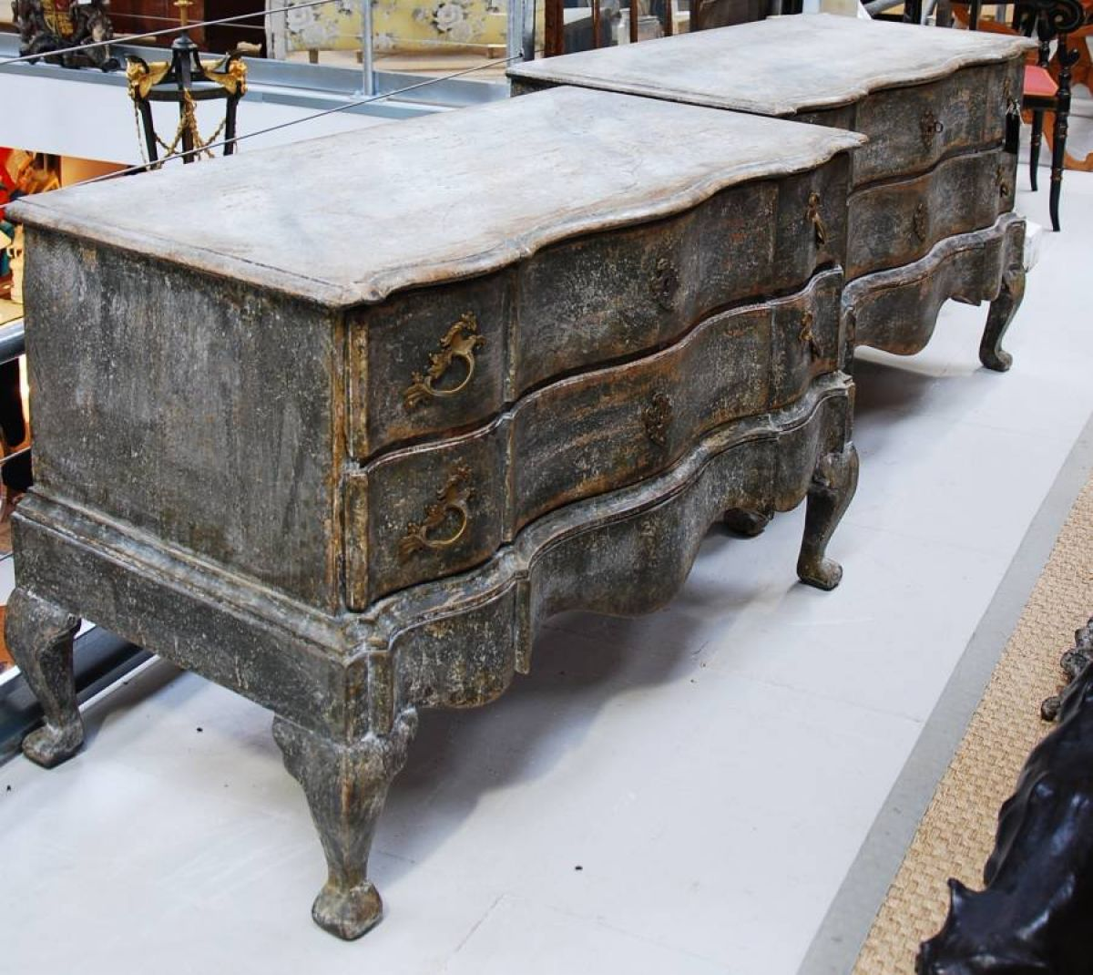 Pair of swedish baroque commodes stock blanchard collective antiques m - Commode baroque grise ...
